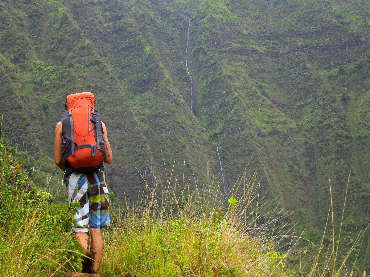 Hawaii likely to make hikers pay for their rescue if they disobey danger signs