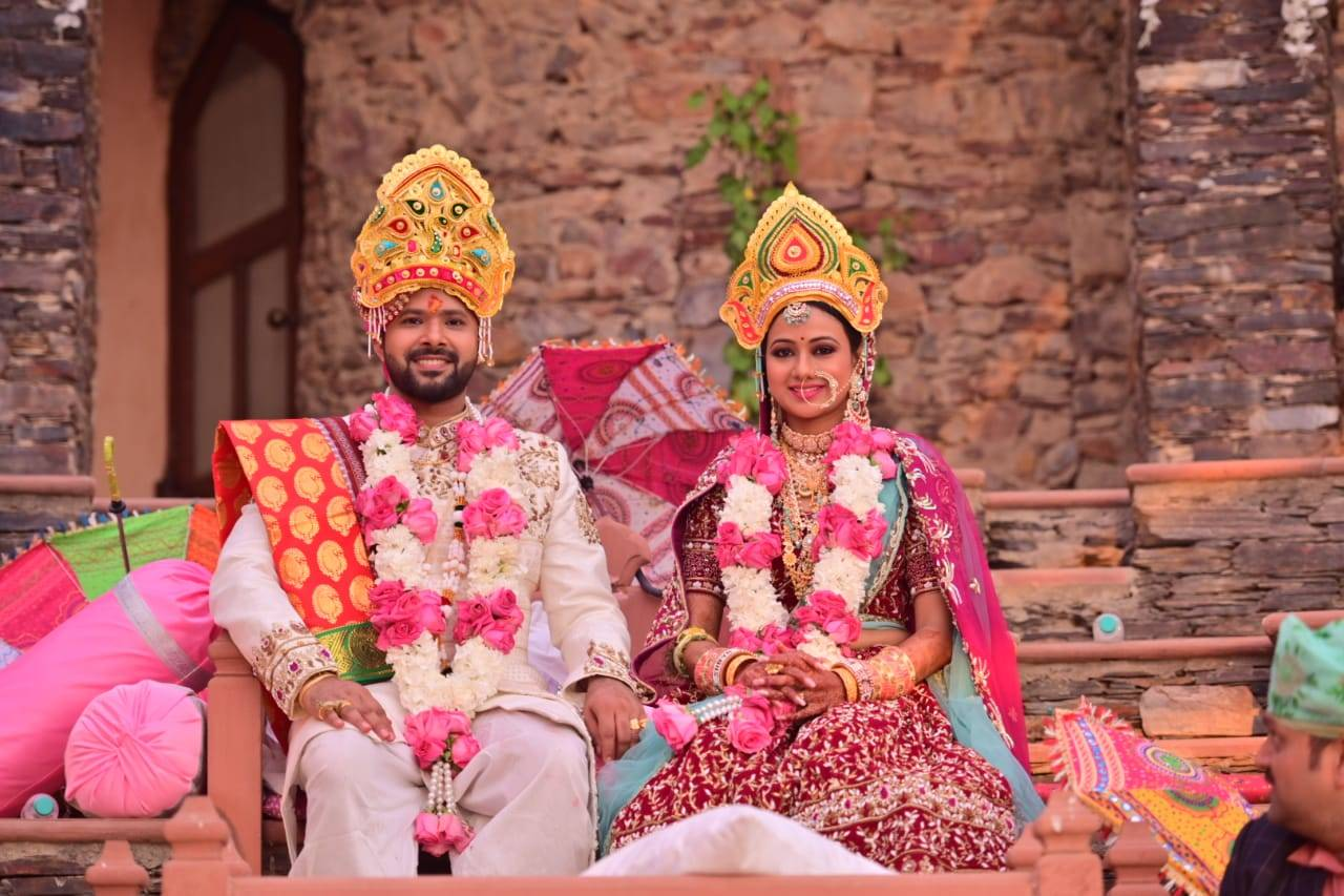 Ollywood Couple Archita Sahu And Sabyasachi Mishra Get Hitched In Jaipur Events Movie News Times Of India He has also marked his presence at west bengal by entering into bengali cinema. ollywood couple archita sahu and