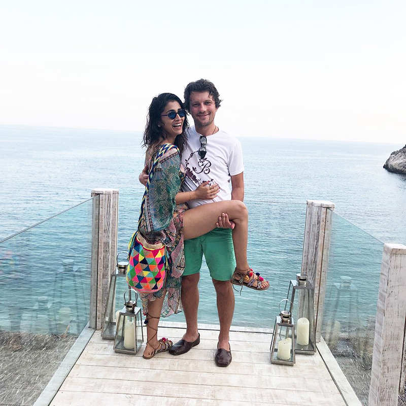 Romantic beach vacation pictures of South diva Shriya Saran with hubby