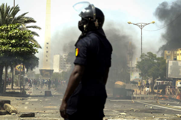 Clashes erupt after Senegal opposition leader arrested