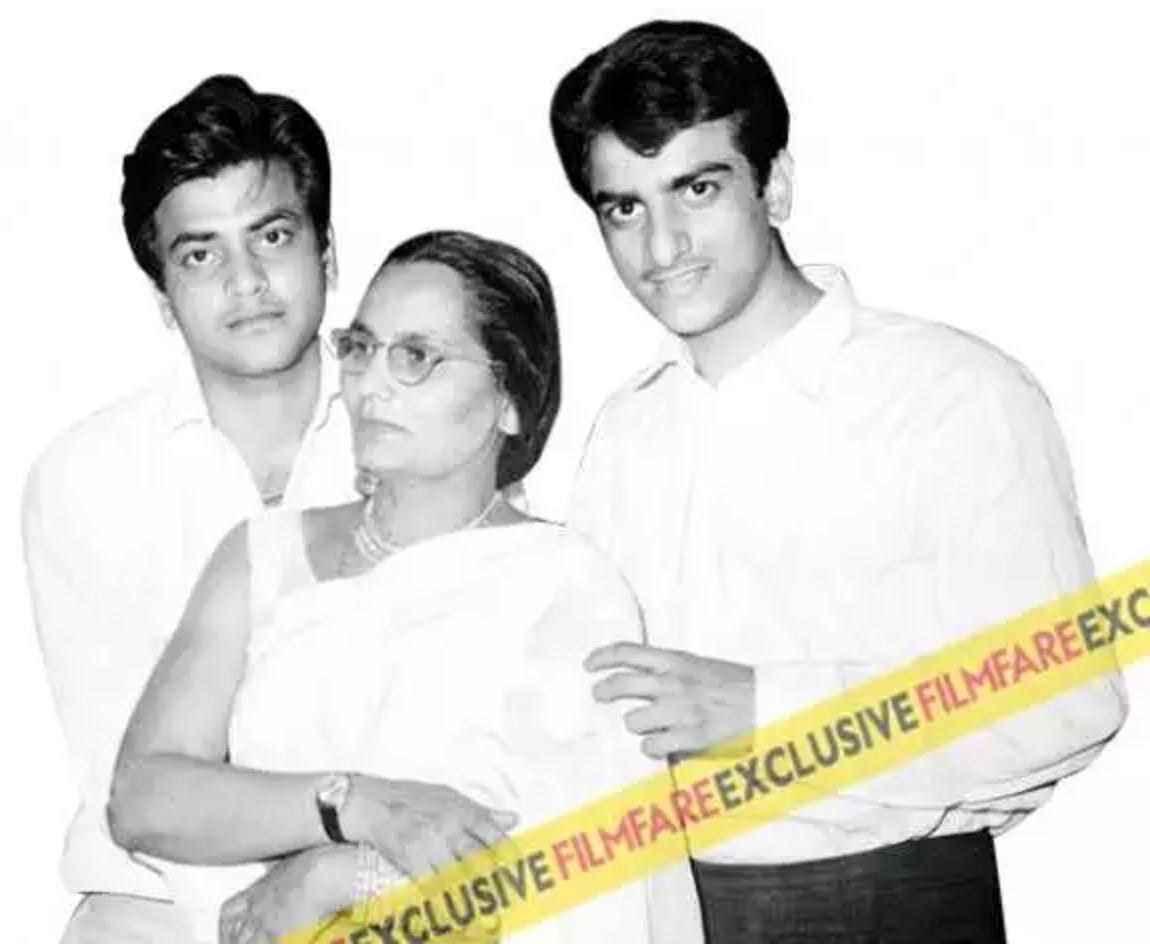 #GoldenFrames: Sneak peek into Jeetendra's incredible journey in Bollywood
