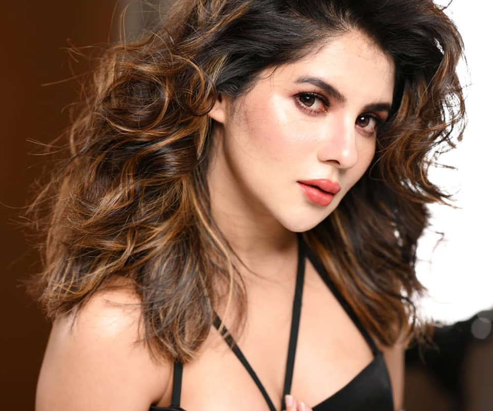 Glamorous pictures of Paayel Sarkar, who joined BJP