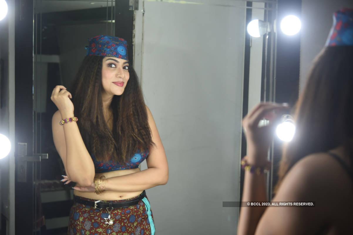 Gautham Karthik shoots for Ezhil's film