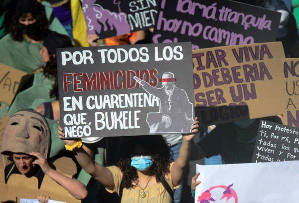 Thousands of El Salvador women march against femicide