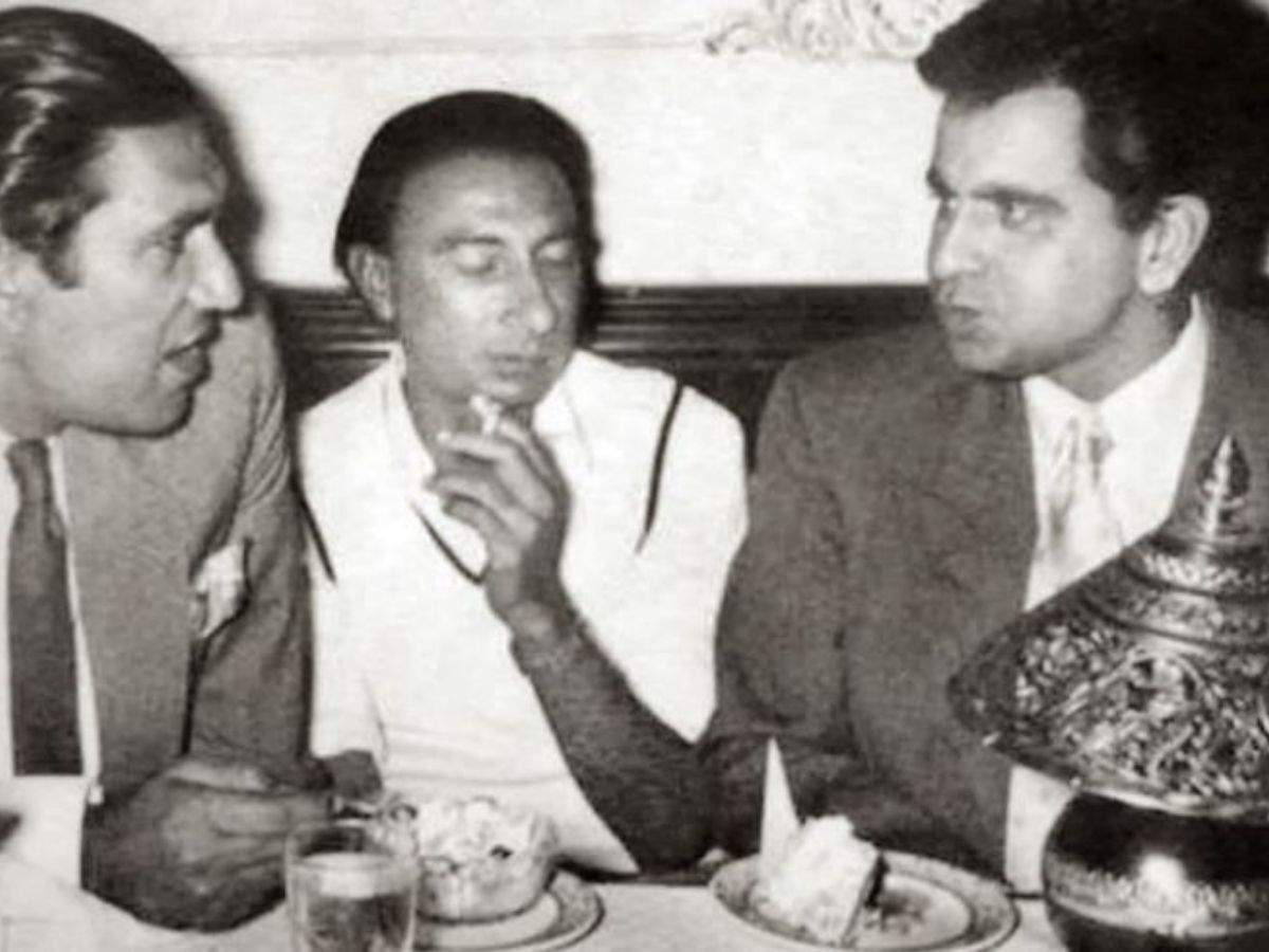 Sahir Ludhianvi flanked by filmmaker BR Chopra and actor Dilip Kumar
