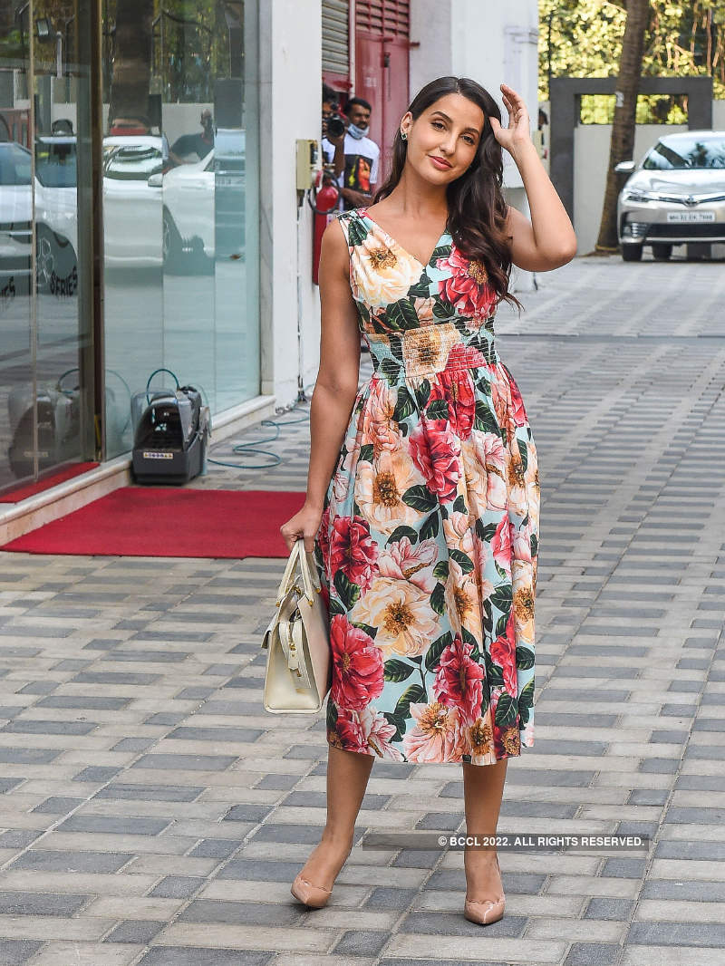 Nora Fatehi hits 1 billion views on YouTube for Dilbar song; celebrates success party in style