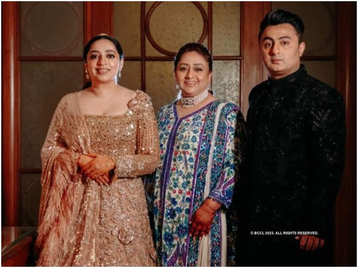 Nidhi and Binoy with Bindiya Goswami