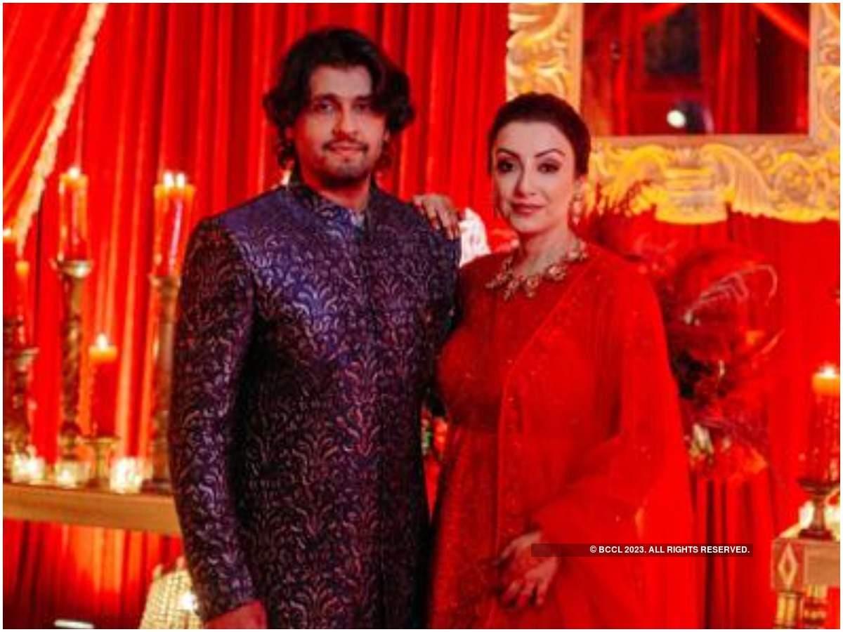 Sonu Nigam with his wife Madhurima