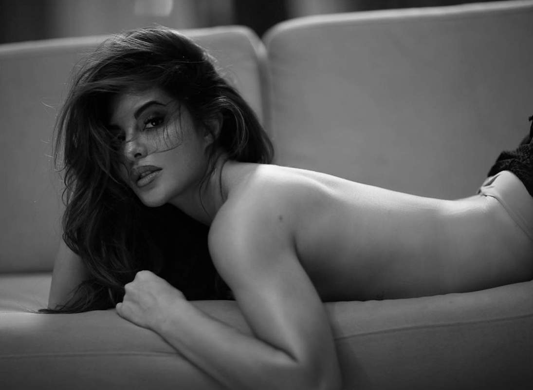 Jacqueline Fernandez is raising temperatures as goes backless in latest pictures