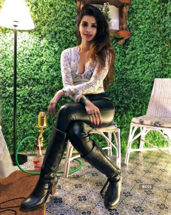 Sonali Raut ups the glam quotient with her bewitching pictures