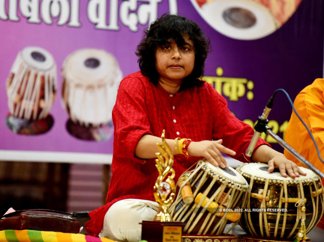 Rimpa Shiva performs in Pink city