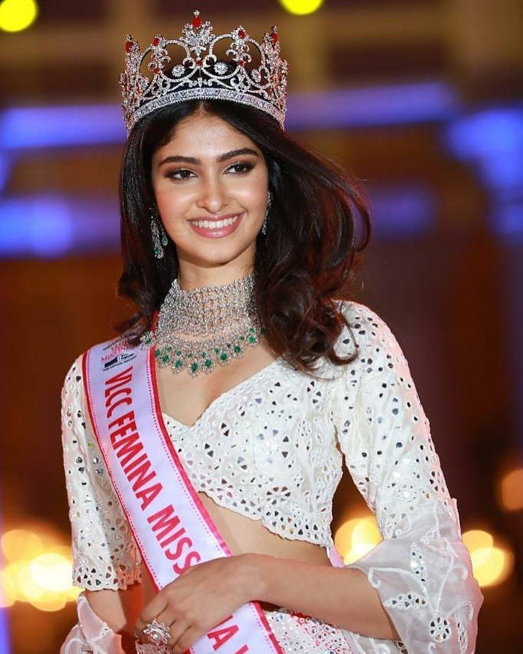 VLCC Femina Miss India World 2020 Manasa Varanasi recognized and awarded at FIWA 2021