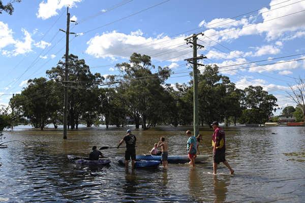 Heavy rains in Australia's east bring worst floods