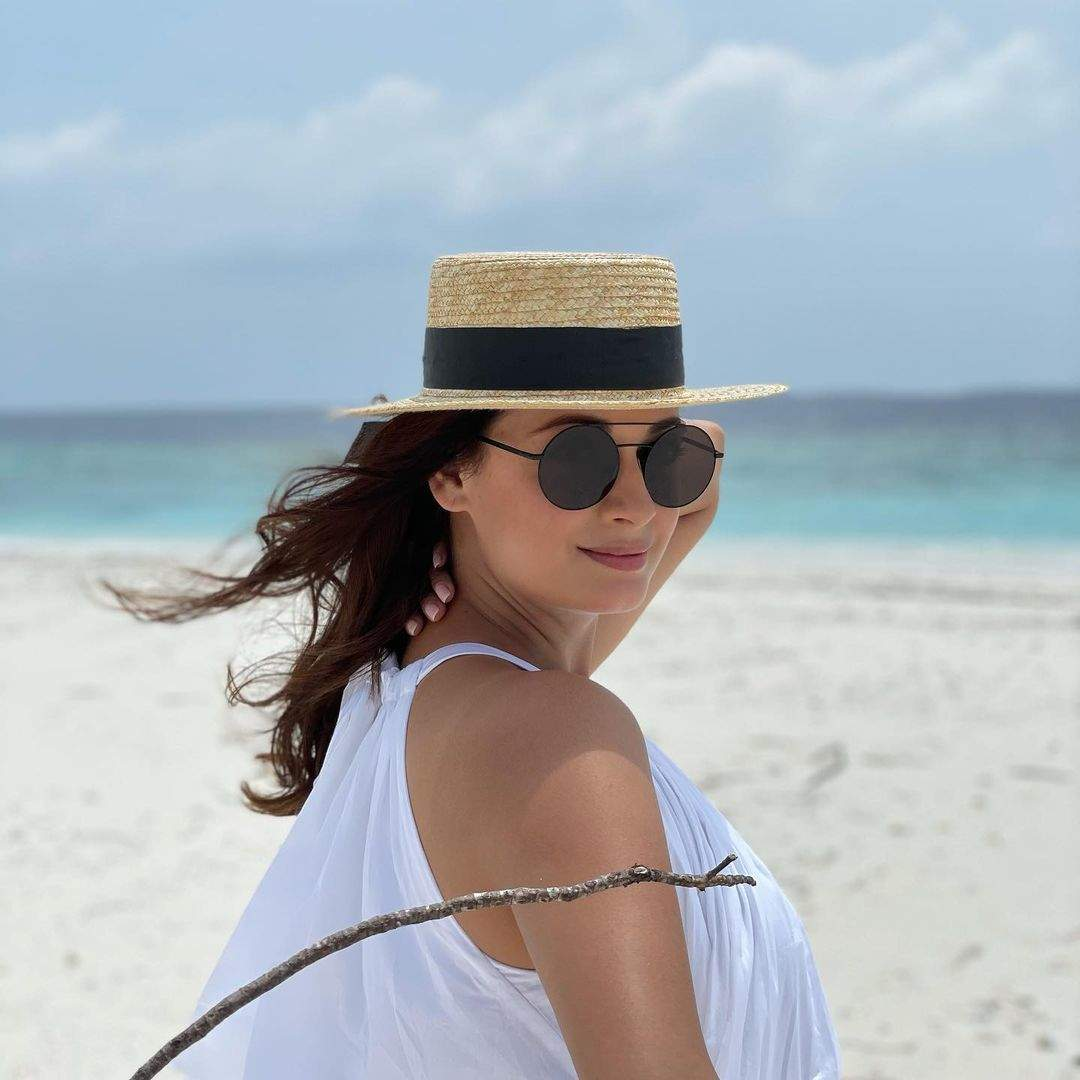 Dia Mirza shares beautiful pictures with husband Vaibhav Rekhi, stepdaughter Samaira from their Maldives vacay