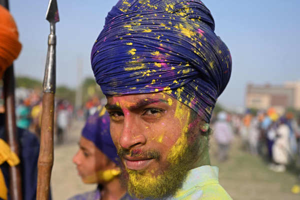 Holi being celebrated amid pandemic