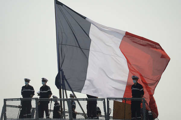 Indian Navy welcomes 2 French warships at Kochi port