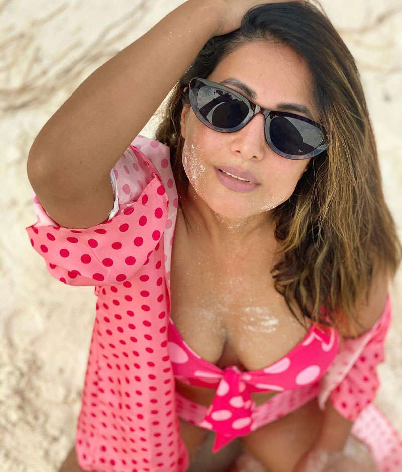Hina Khan's Maldives vacation is all about travel goals!
