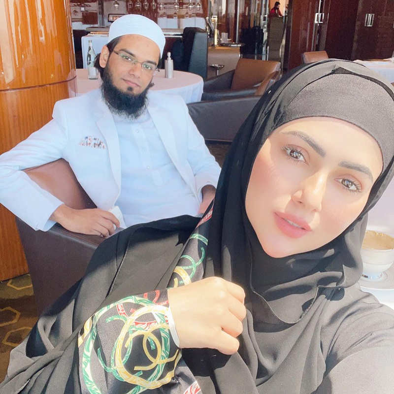 Pictures from Sana Khan and hubby Anas Saiyad's romantic beach vacation go viral