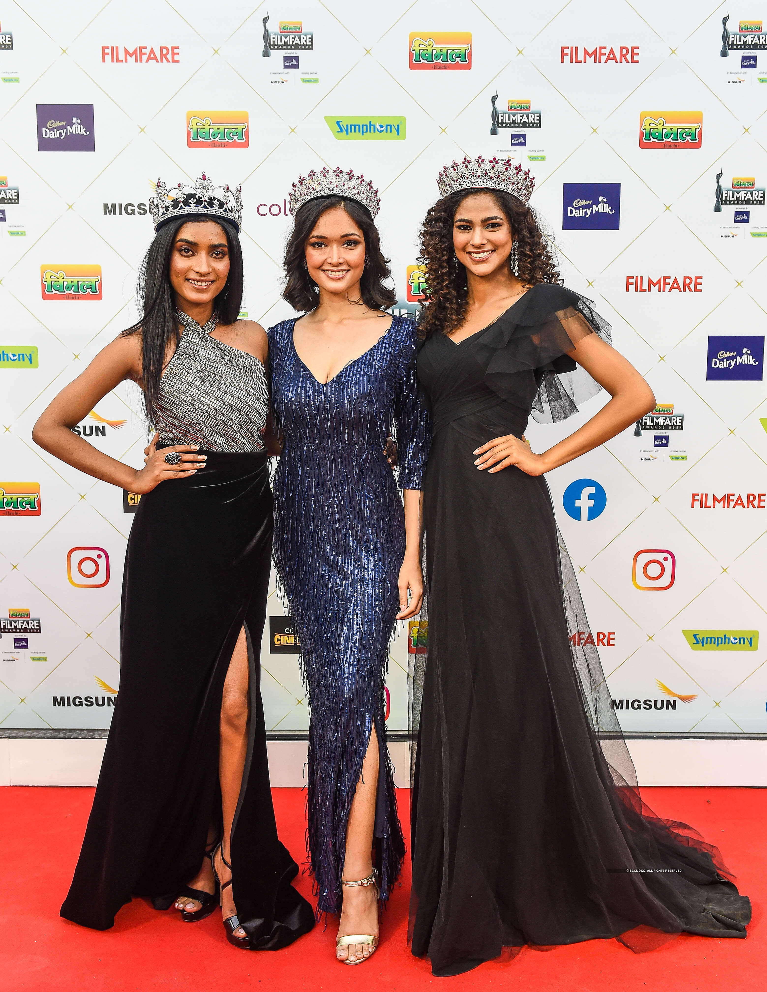 Miss India and Miss Diva queens dazzle at the 66th Filmfare awards!