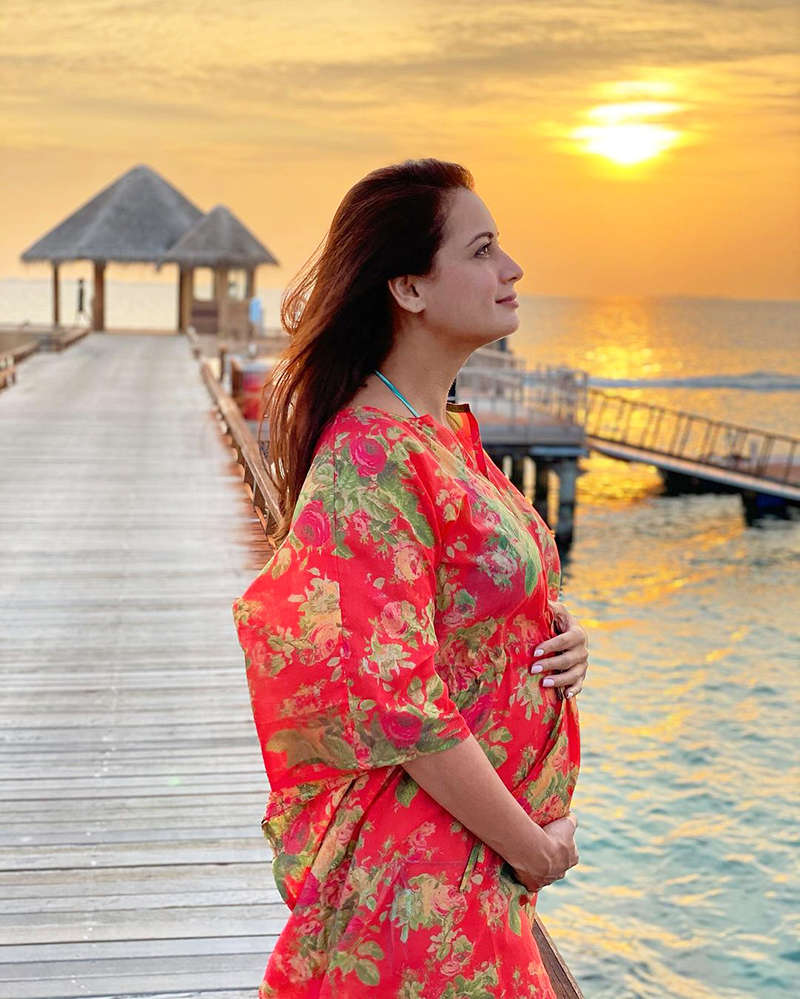 Dia Mirza flaunts her baby bump in this new sun-kissed picture