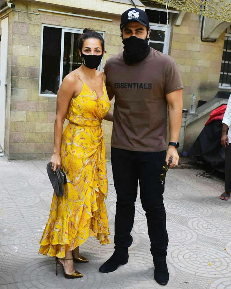Lovebirds Malaika Arora and Arjun Kapoor step out for a romantic lunch date