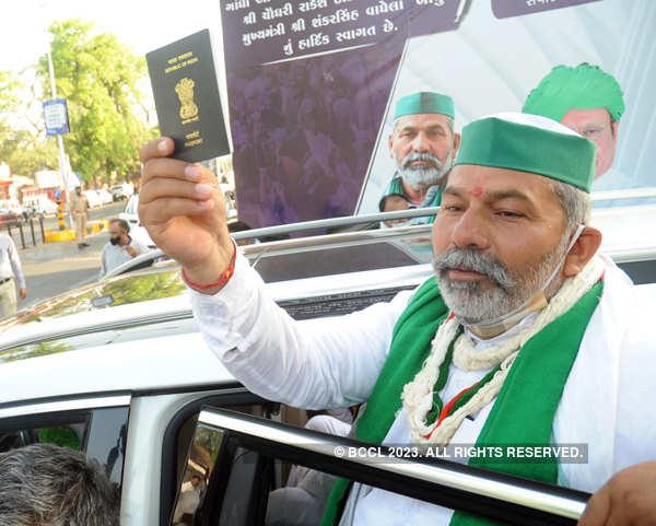 Farmer leader Rakesh Tikait visits Sabarmati Ashram
