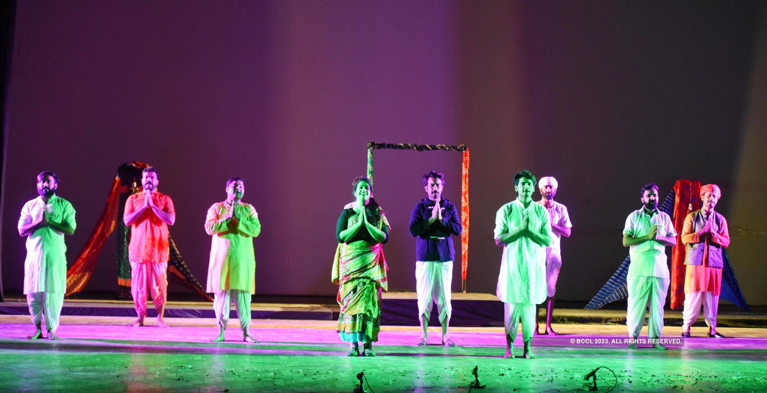 Dulari Bai: A play