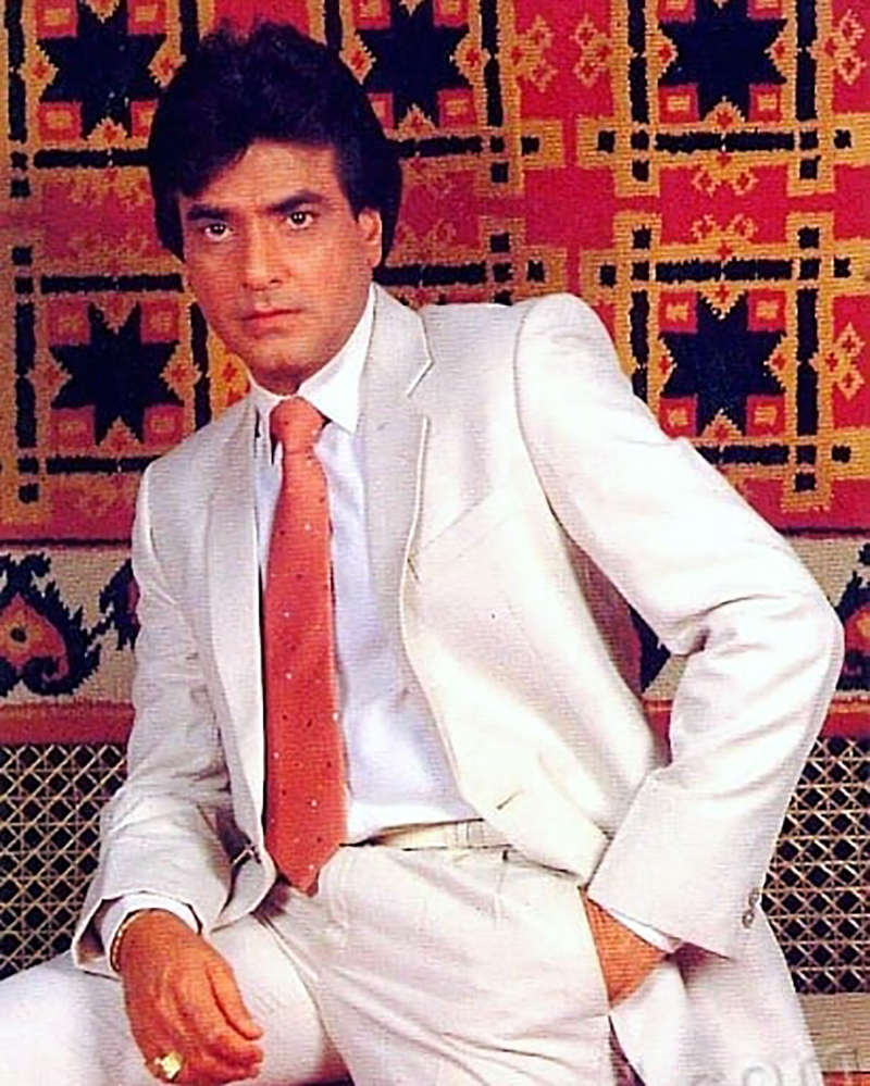 Unmissable pictures from Bollywood's 'King of Dance' Jeetendra's life