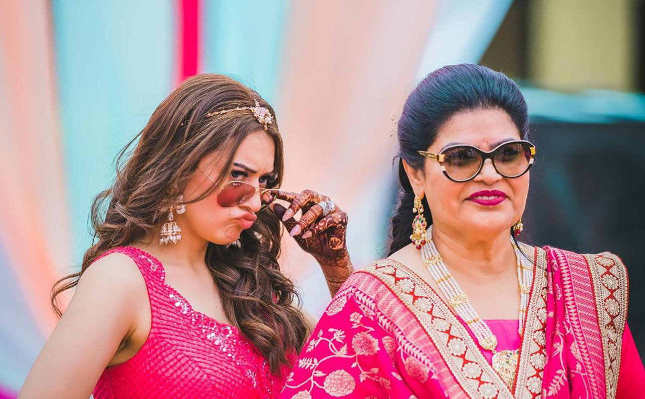 These stunning pictures of Hansika Motwani from her brother's sangeet you just can't give a miss!