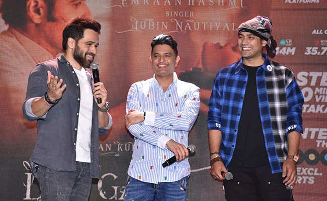v0soldqg_bhushan-kumar-and-jubin-nautiyal_625x300_29_March_21.