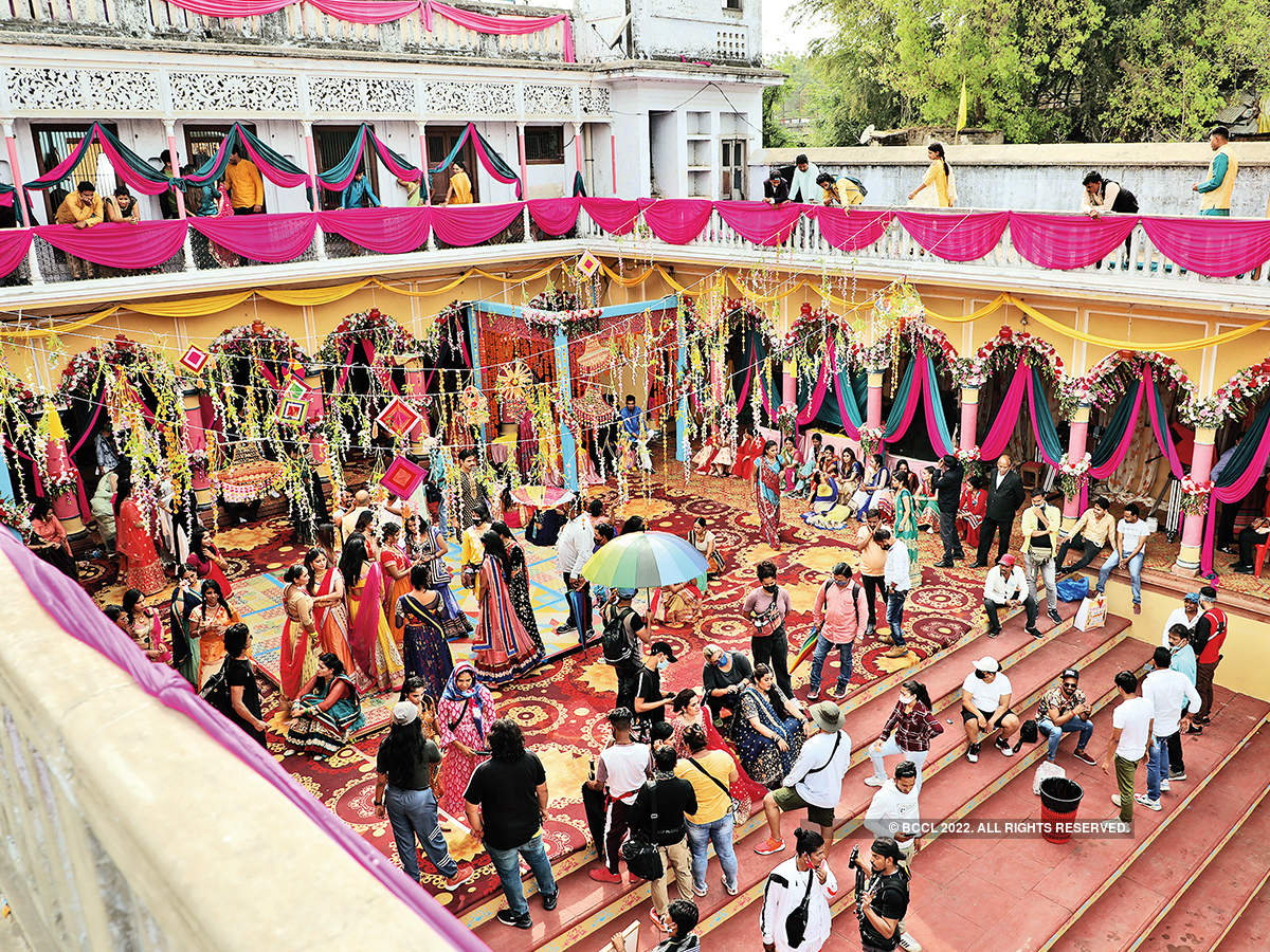 A glimpse of the song  shoot of the film Jahan  Chaar Yaar in Lucknow