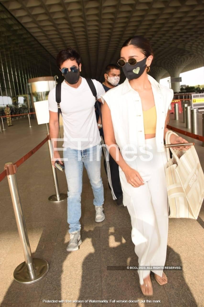 Alia Bhatt and Ranbir Kapoor at airport