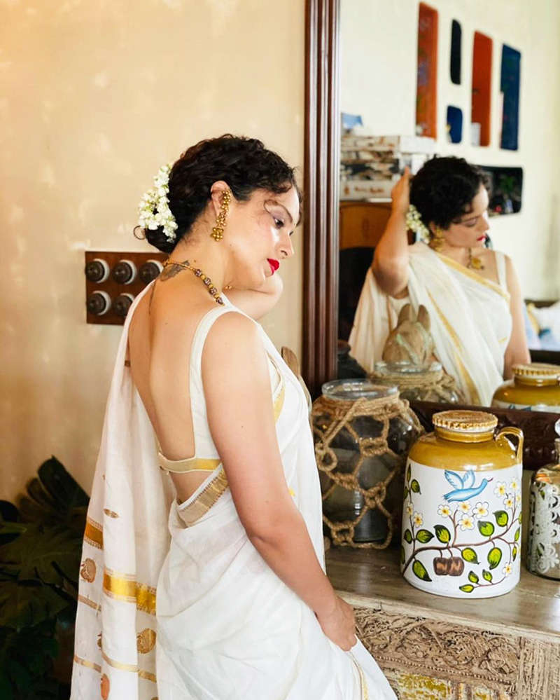 Kangana Ranaut turns heads in a traditional look, shares stunning inside photos from her home