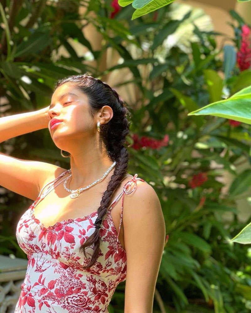 Janhvi Kapoor is making heads turn with her new stunning photoshoot