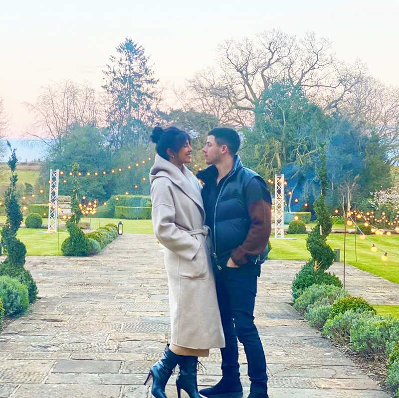 Priyanka Chopra shares a 'Miss You' note for hubby with this lovely picture