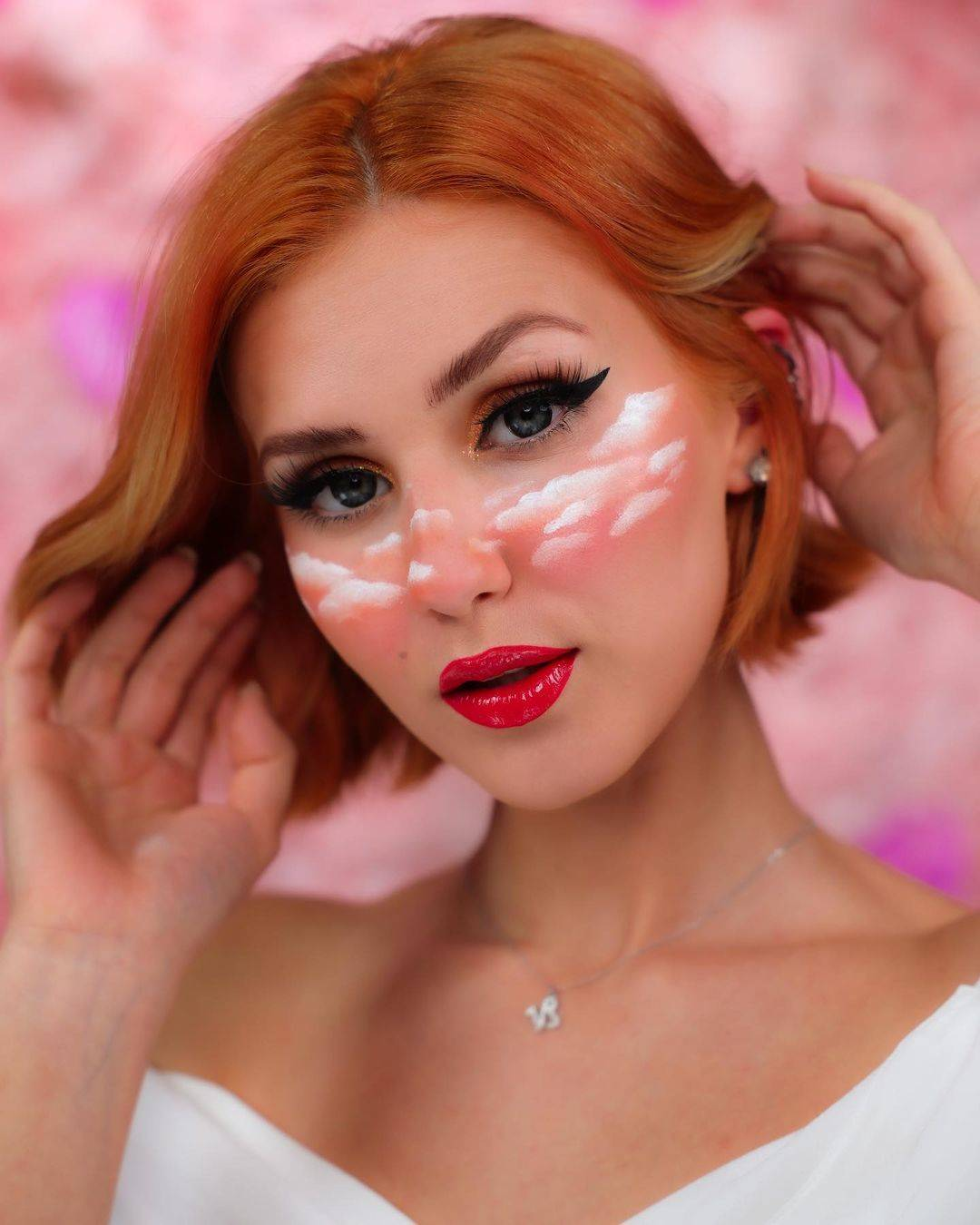Popular YouTuber Stella Cini proves dyeing your own hair is not as complicated as it seems