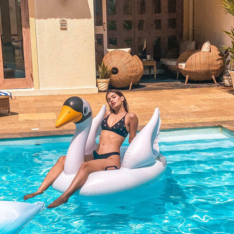 These new pool pictures of Karishma Sharma will surely make you back your bags!