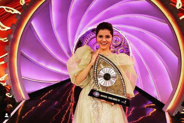 Rubina Dilaik's saree avatar takes the internet by storm