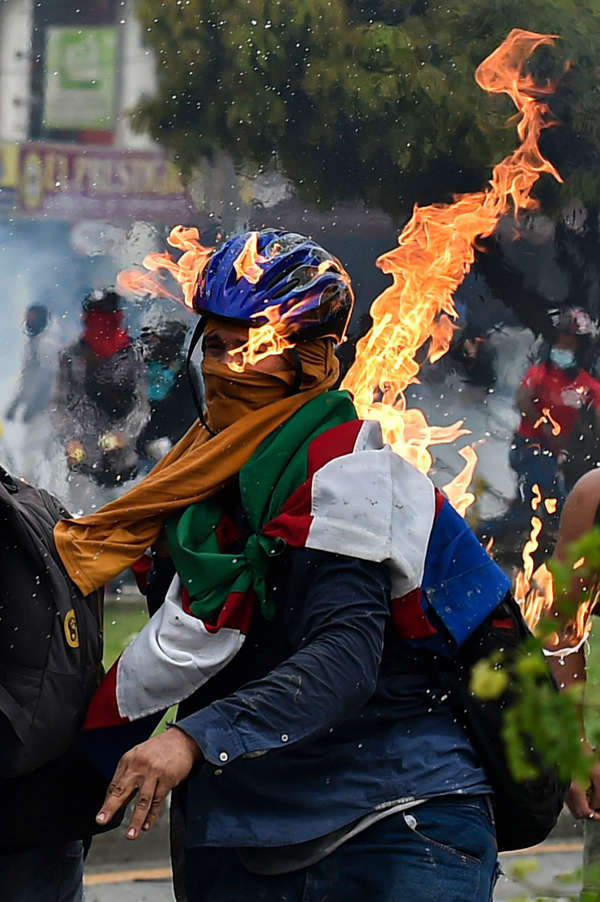 At least 19 dead, 800 injured in days-long Colombia protests