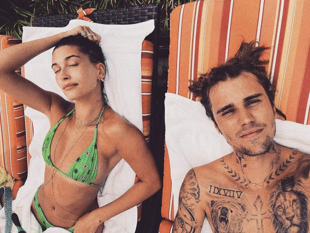 Cosy pictures of Justin Bieber and Hailey Baldwin from their beach vacation