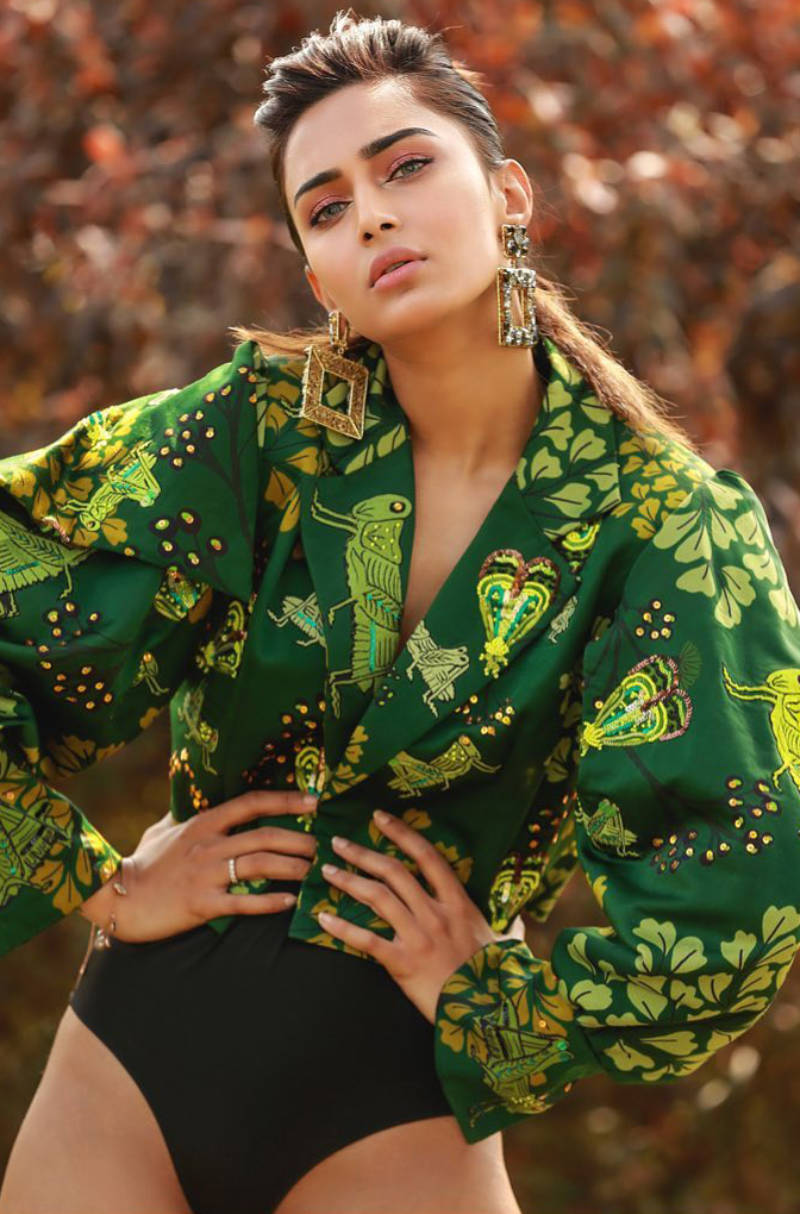 Bewitching pictures of Erica Fernandes from her new pool photoshoot