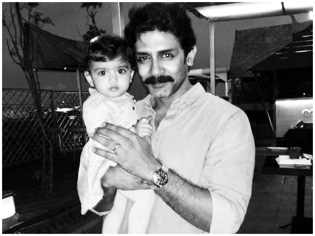 Raghu Mukherjee with daughter