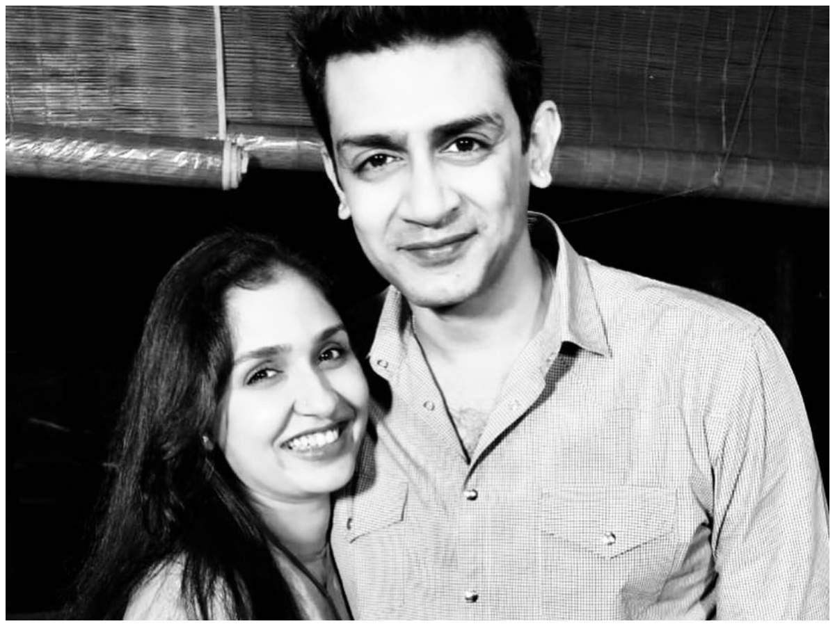Anu Prabhakar Mukherjee with husband Raghu Mukherjee
