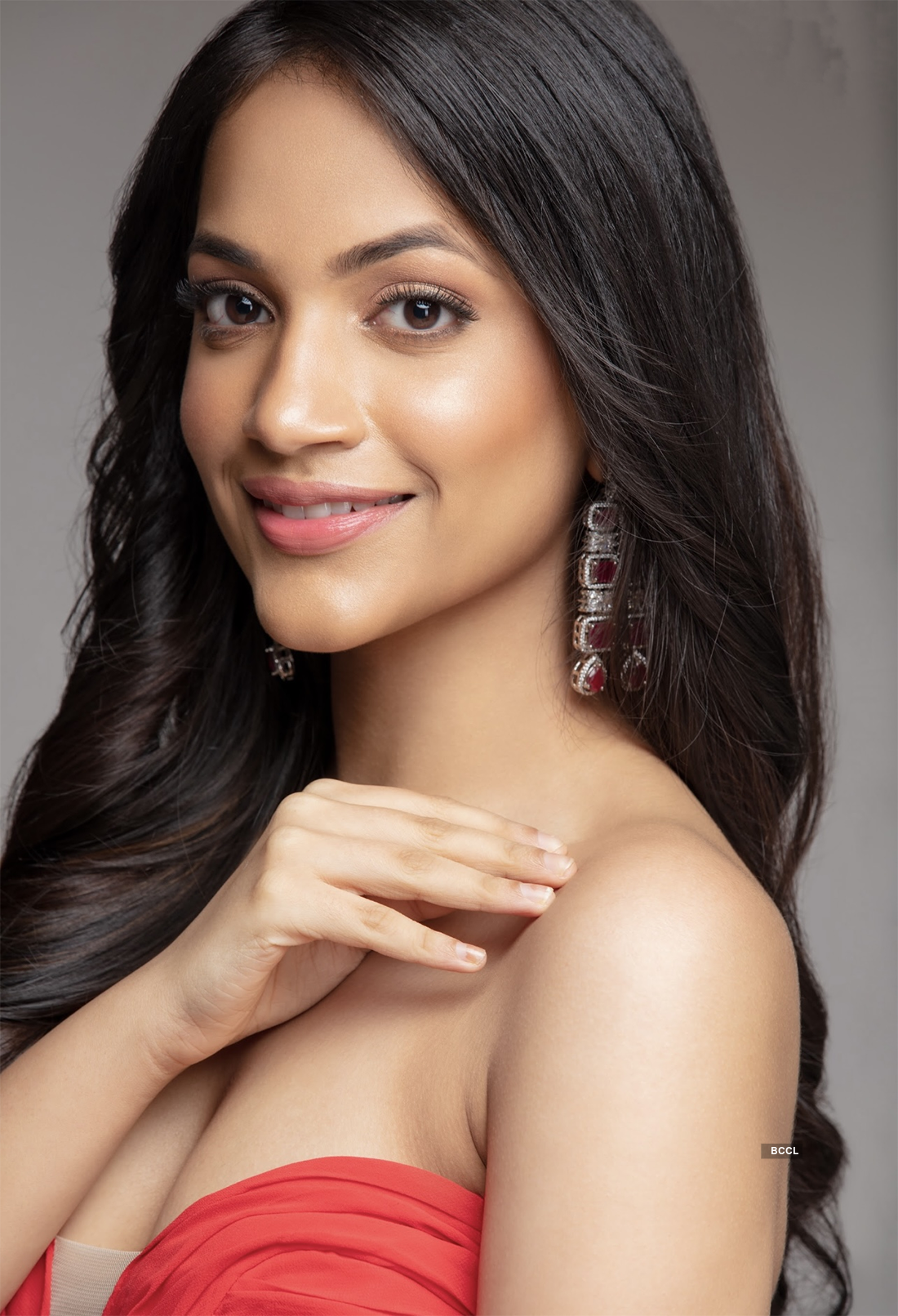 Pictures of Rashi Parasrampuria, the diva who'll represent India at Miss Teen International