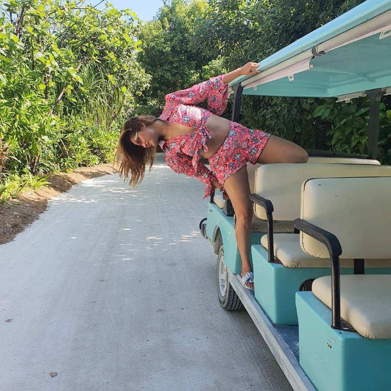 Bigg Boss 13 star Arrti Singh enjoys her beach vacation in a glamorous way