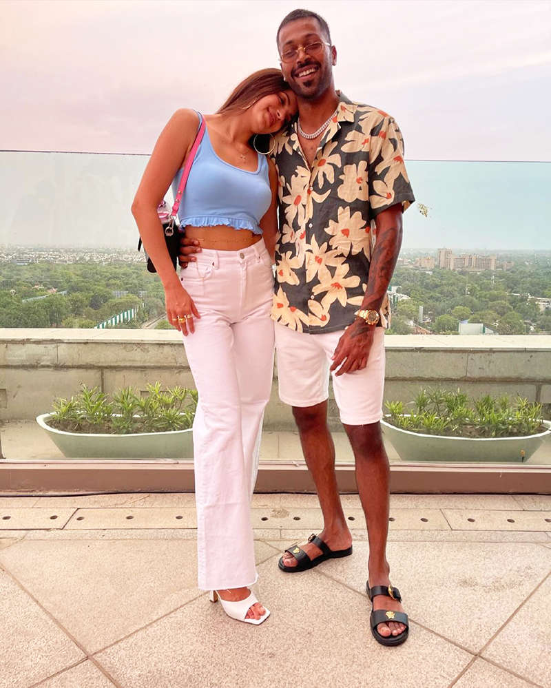 New loved-up pictures of Hardik Pandya and Natasa Stankovic go viral