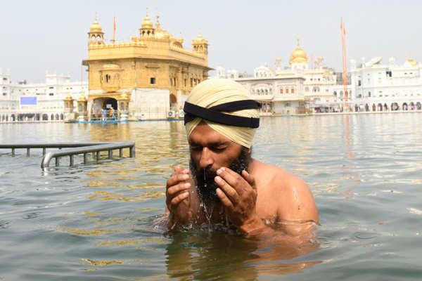 Sikh devotees mark birth anniversary of Guru Angad Dev