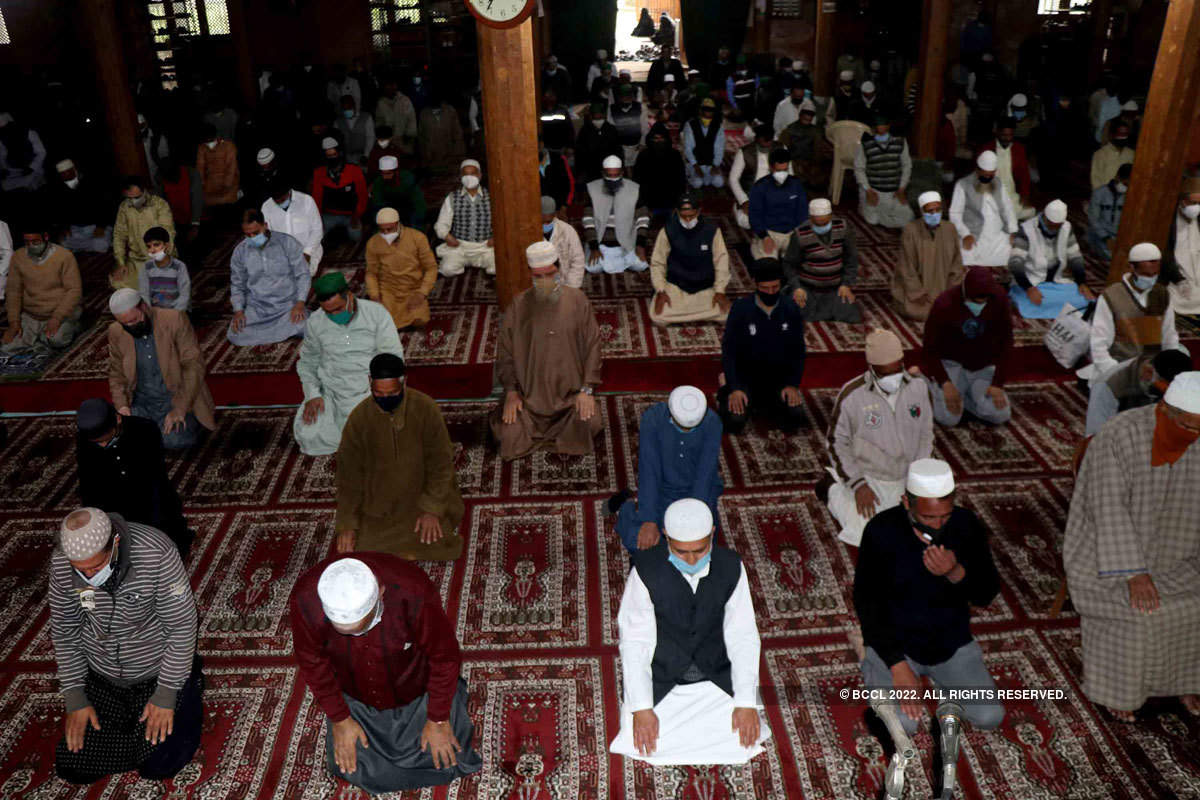 Muslims celebrate Eid across India amid coronavirus restrictions