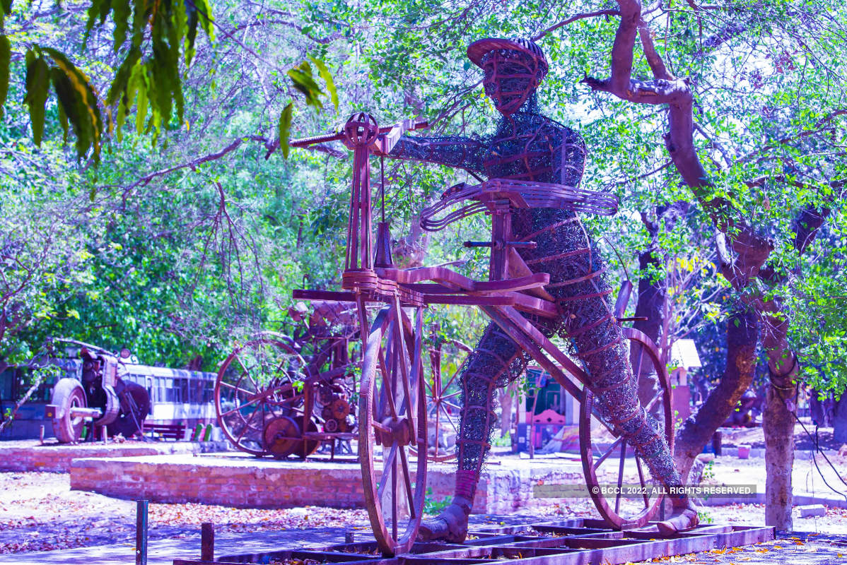 Sculptures made of waste installed at Netaji Subhash Park