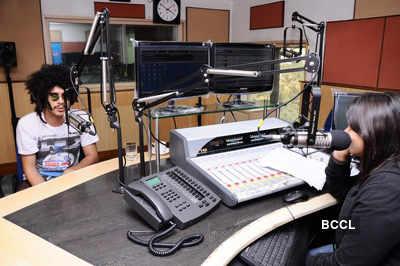 Starcast of '404' at Radio City